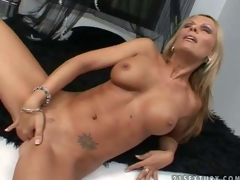 Turned on tanned golden-haired milf Vivian with jaw drooping hooters and perfectly shaped fit body receives in nature's garb fingers hairless juicy cunny to warm agonorgasmos in memorable solo action filmed in close up