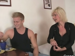 Old blonde is doggy-style drilled !