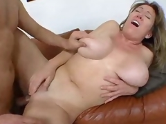 Curvy dilettante in homemade milf porn
